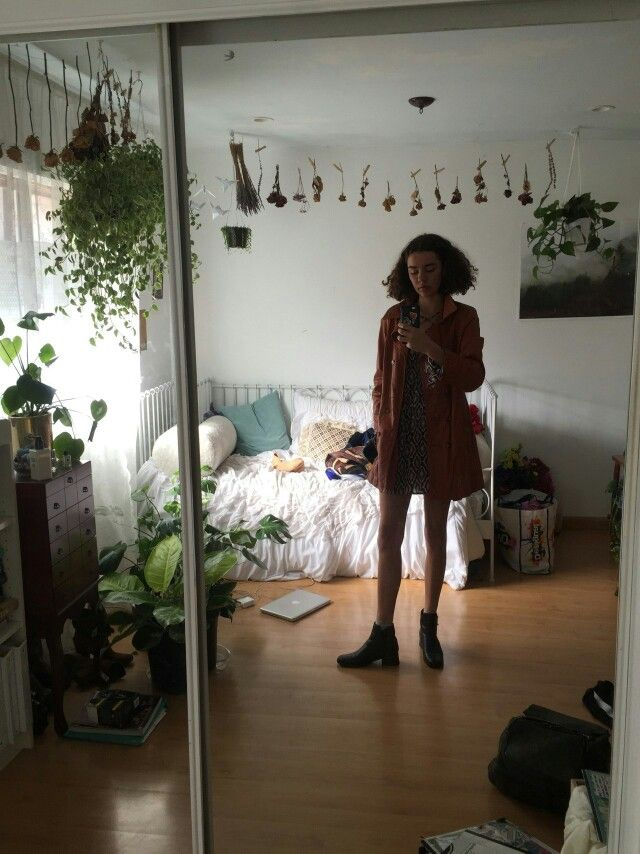 Aesthetic Bedroom: Pin By Olivia Mangin On Wear In 2018