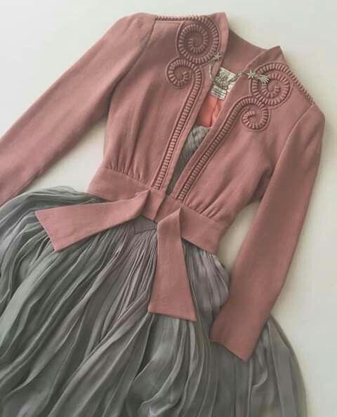 Pin By Dora Gfeller On Galry Fashion Dresses Fashion Fashion Outfits