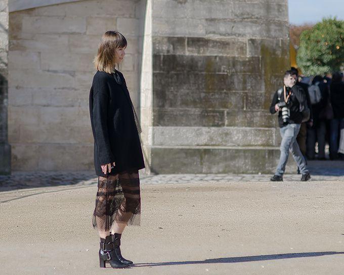 Paris Fashion Week SS2016 - Anya Ziourova - Tuileries Garden | THE STYLESEER