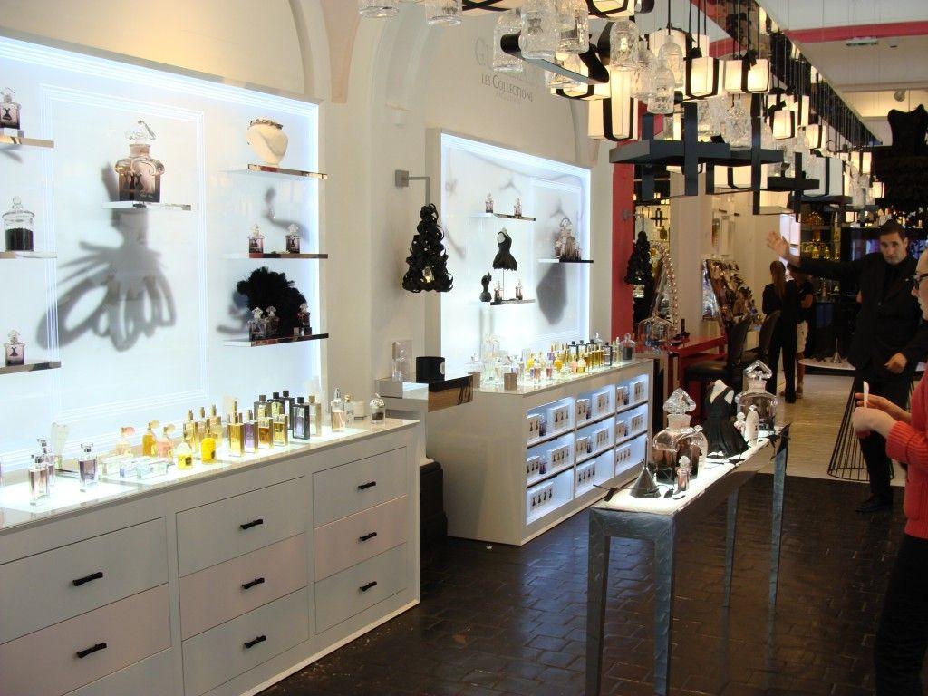 guerlain pop up store paris beautiful places spaces pinterest beautiful places. Black Bedroom Furniture Sets. Home Design Ideas