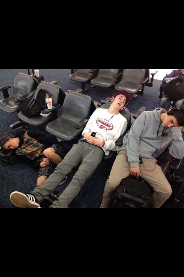 Hahah at first all I saw was jack g and sam