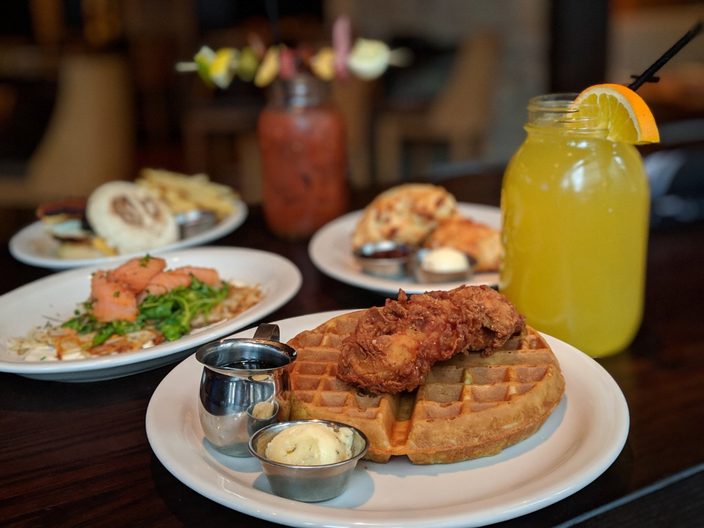 Gallery East Town Kitchen Bar Downtown Restaurant Good Fried Chicken Brunch Items Breakfast Burger