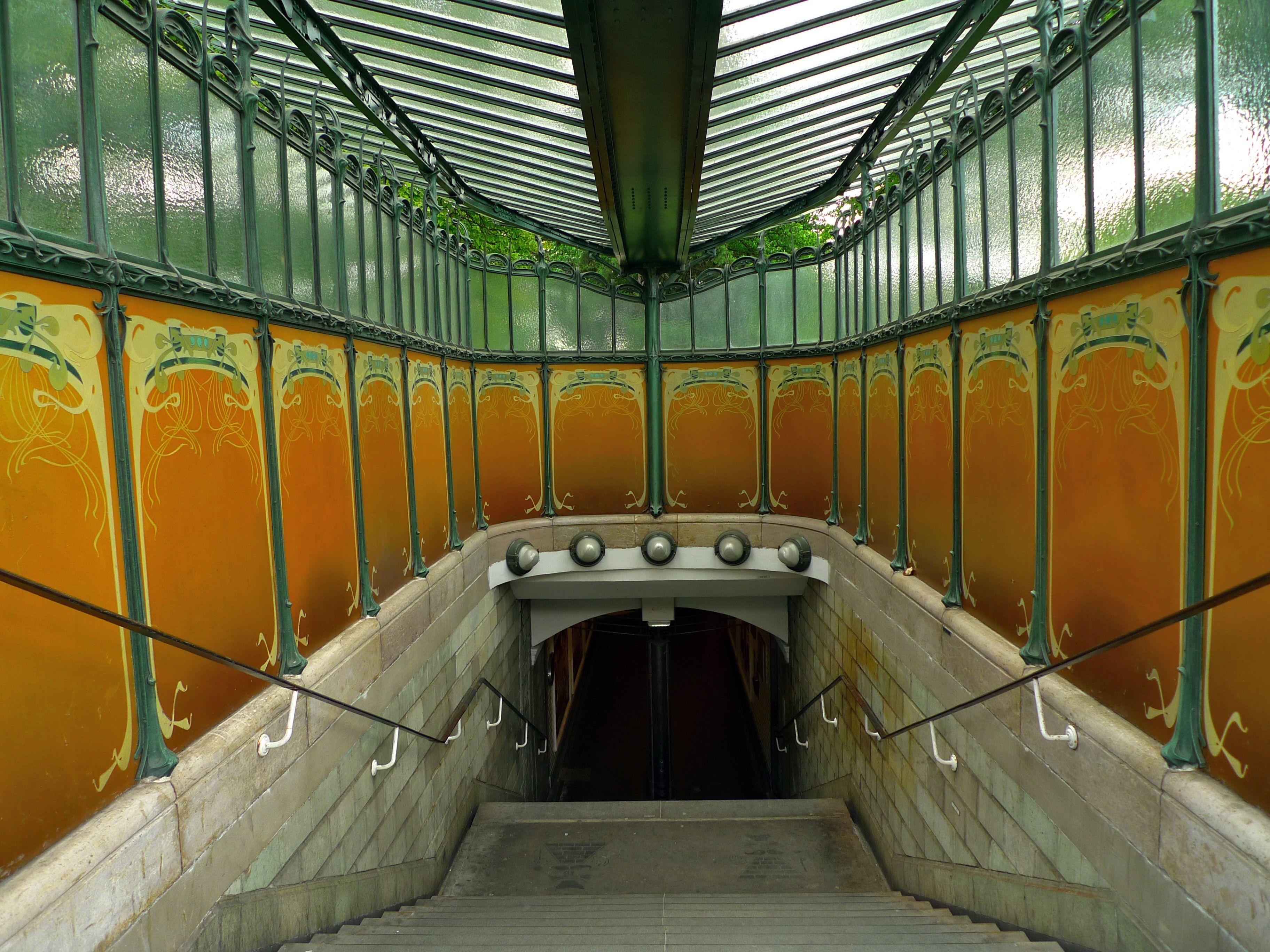 Art nouveau hector guimard bouche de m tro de la station porte dauphine art nouveau - Portes ouvertes paris dauphine ...