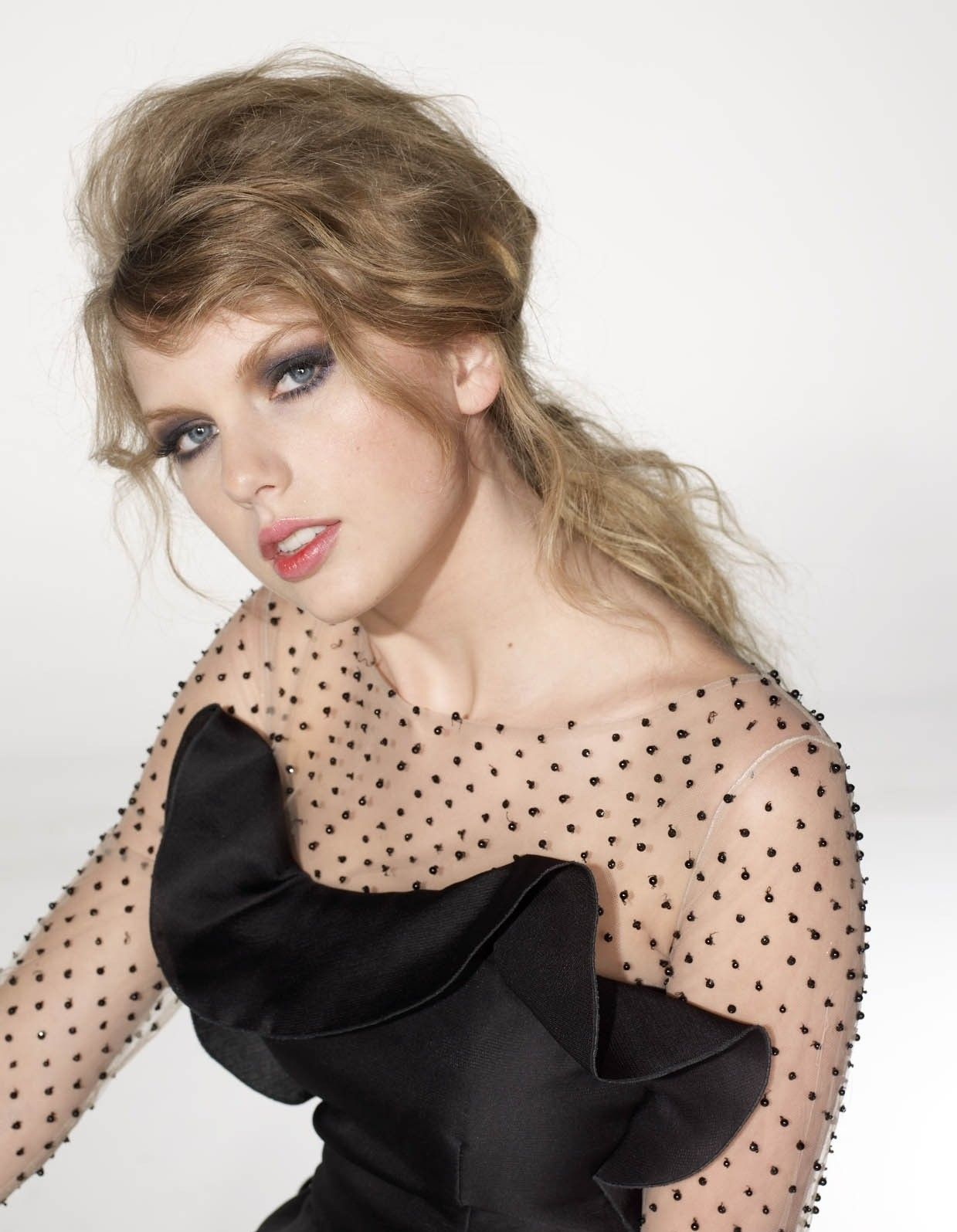 Taylor Swift Maxim Photo Shoot | Fanclub Photos Videos News Quizzes Pages Links