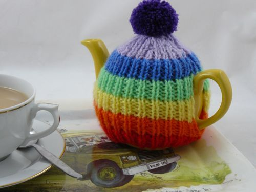 Rainbow Tea Cosy | knitted tea cosy | free knitting pattern ...