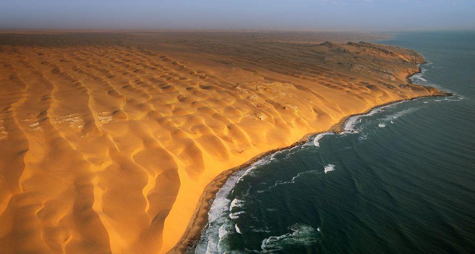 """Résultat de recherche d'images pour """"Rêves de plages :Namibie, skeleton coast"""""""