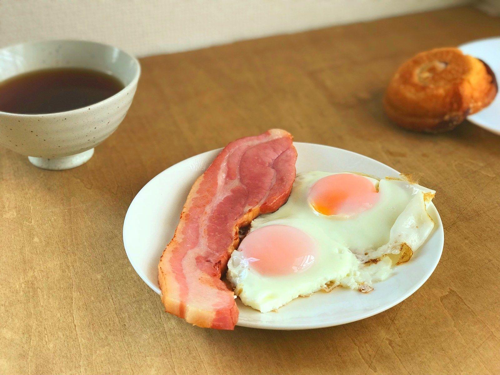 ジブリ飯 ハウルのベーコンエッグを作ってみた シンプルなのに美味しすぎる ベーコンエッグ ジブリ飯 ベーコン