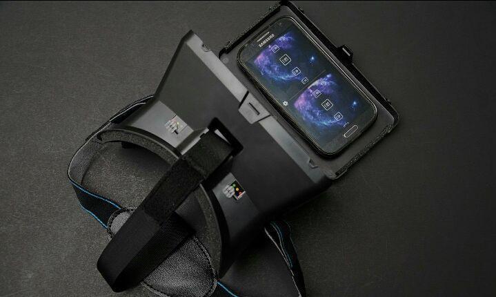 An awesome Virtual Reality pic! MAU BELI OCULUS TAPI MAHAL?? SEKARANG ADA ALTERNATIF LAIN UNTUK MERASAKAN GAME VIRTUAL REALITY TANPA HARUS BONGKAR KOCEK!!! BISA CONNECT KE PC MELALUI SMARTPHONE ANDA JUGA LOHHH.!! MILIKI SEGERA VIRTUAL REALITY PRIBADI ANDA !!!! VERSE VIRTUAL REALITY HEADMOUNT. Wanna feel the immersive experience of virtual reality world..?? [ WHATS IN THE PACKAGE ]  1 UNIT VR HEADSET  1 UNIT HIGH QUALITY HEAD STRAP  1 SET NAVIGATION MAGNET  1 INSTRUCTION BOOK  GOOGLE CARBOARD…