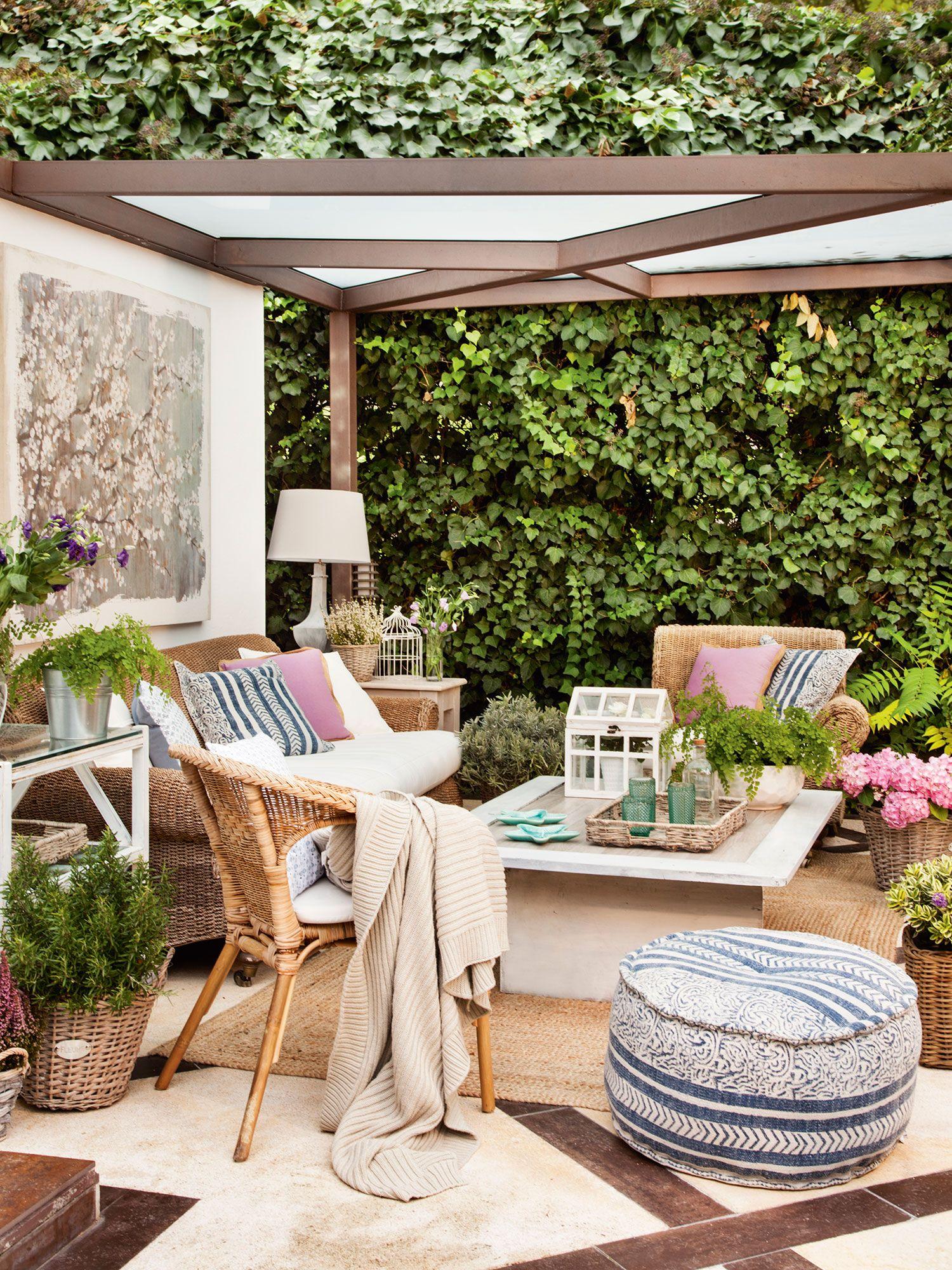Sal n de verano en terraza con p rgola pinterest for Ideas jardines exteriores
