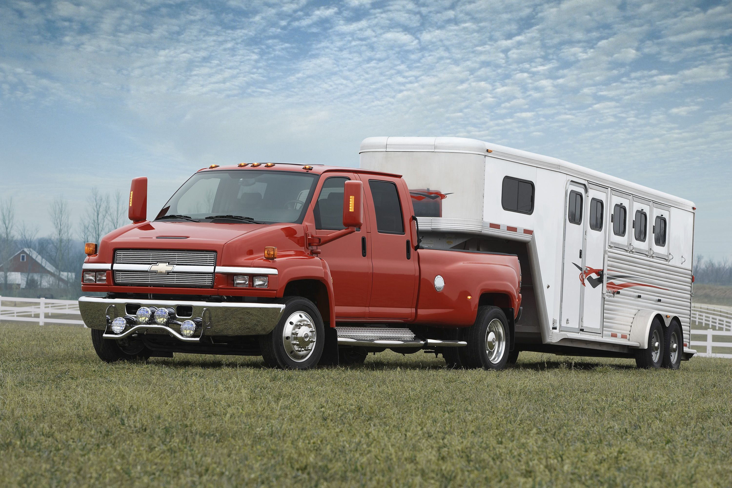 This Horse Haulin Setup Will Do In A Pinch Truck And Trailer Horse Trailers Road Trip Across America
