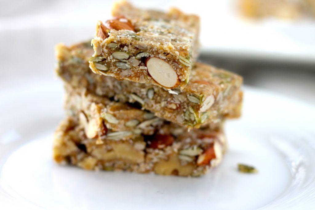 Keto Nut Bar Recipe Healthy protein snacks, Keto