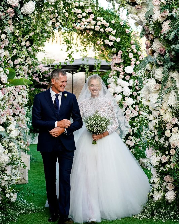 Pin By Magazine Spain On Vestido Inspiracao Meu Casamento Most Beautiful Wedding Dresses Italy Wedding Wedding Dresses