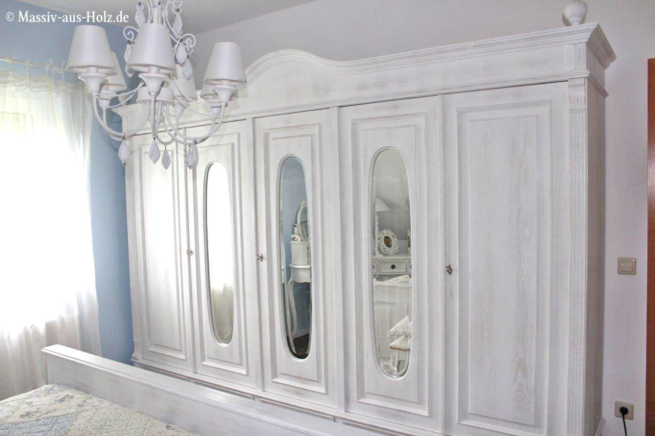 Individuelle Spiegel im großen Schrank; www.massiv-aus-holz.de ...