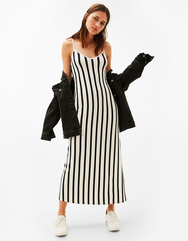 5cc883d14 Vestido largo tirantes | ropas | Vestidos largos, Bershka vestidos y ...