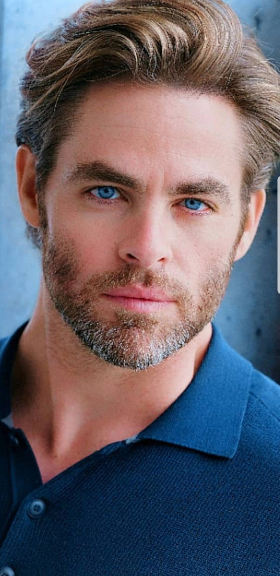 Chris Pine Has The Most Beautiful Blue Eyes With Images Chris