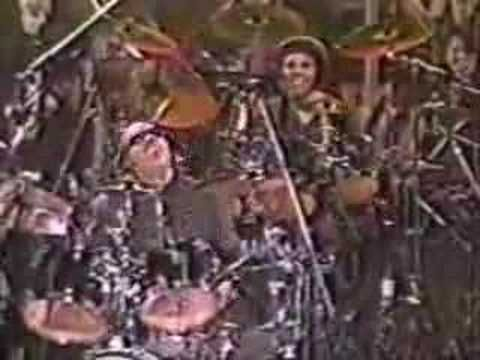 Stevie Wonder throws down an incredable drum solo!  No fear! Awesome!