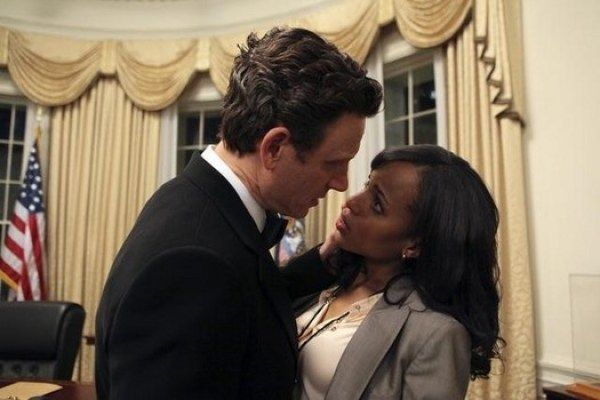 "Entertainment: Tony Goldwyn ""Fitz"" reveals teasers for new season of 'Scandal' by Wiz[e]™   Via MaseTV: The 'Scandal' season three premiere is THIS THURSDAY and while all the wanna-be Gladiators can hardly stand the wait, Mr. President Fitzgerald Grant is giving fans some insight as to what expect from this season of the highly anticipated prime-time drama series. via S2S Mag...  http://news.bkunited.com/2013/10/02/entertainment/1051/, #bku"