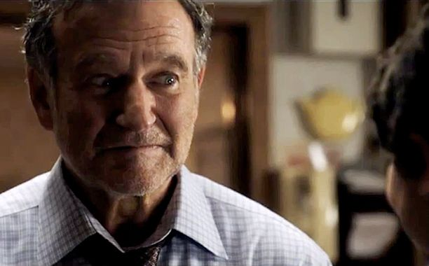 Watch The First Clip Of Robin Williams In A Merry Friggin Christmas Robin Williams Robin Christmas Movies