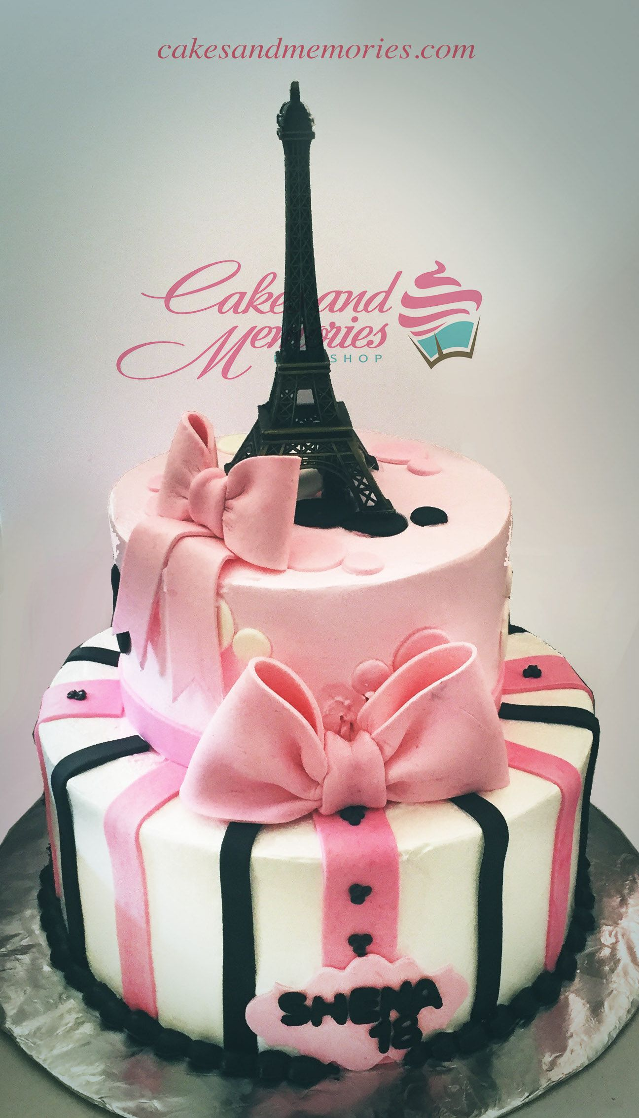 Eiffel Tower 2 Layer Cake