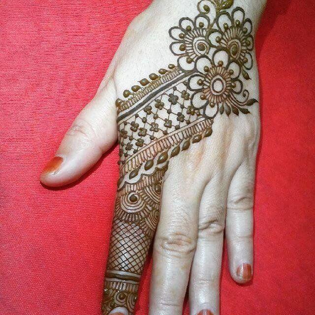 Back hands arabic mehndi designs also latest simple but unique eye catchy sensod rh pinterest