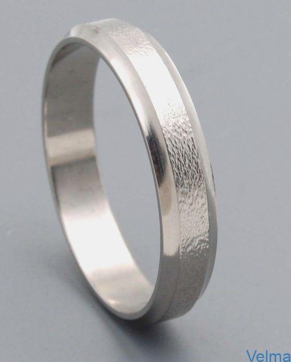 Ring mit Goldlinie Schwarz Titan Damenring Frauen Titanring Titanium Verlobung