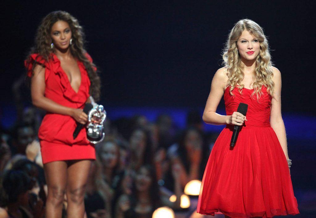Beyonce Cried Backstage After Kanye West Taylor Swift Vmas Incident Beyonce Taylor Swift Kanye Interrupts Taylor