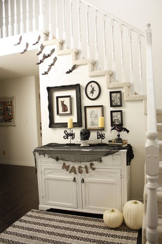 21 Black and White Decorating Ideas for Halloween Party in Vintage - decoration ideas for halloween party