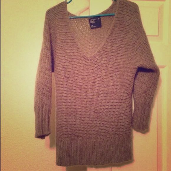 American Eagle Sweater Chunky oversized knitted sweater in good condition! American Eagle Outfitters Sweaters V-Necks
