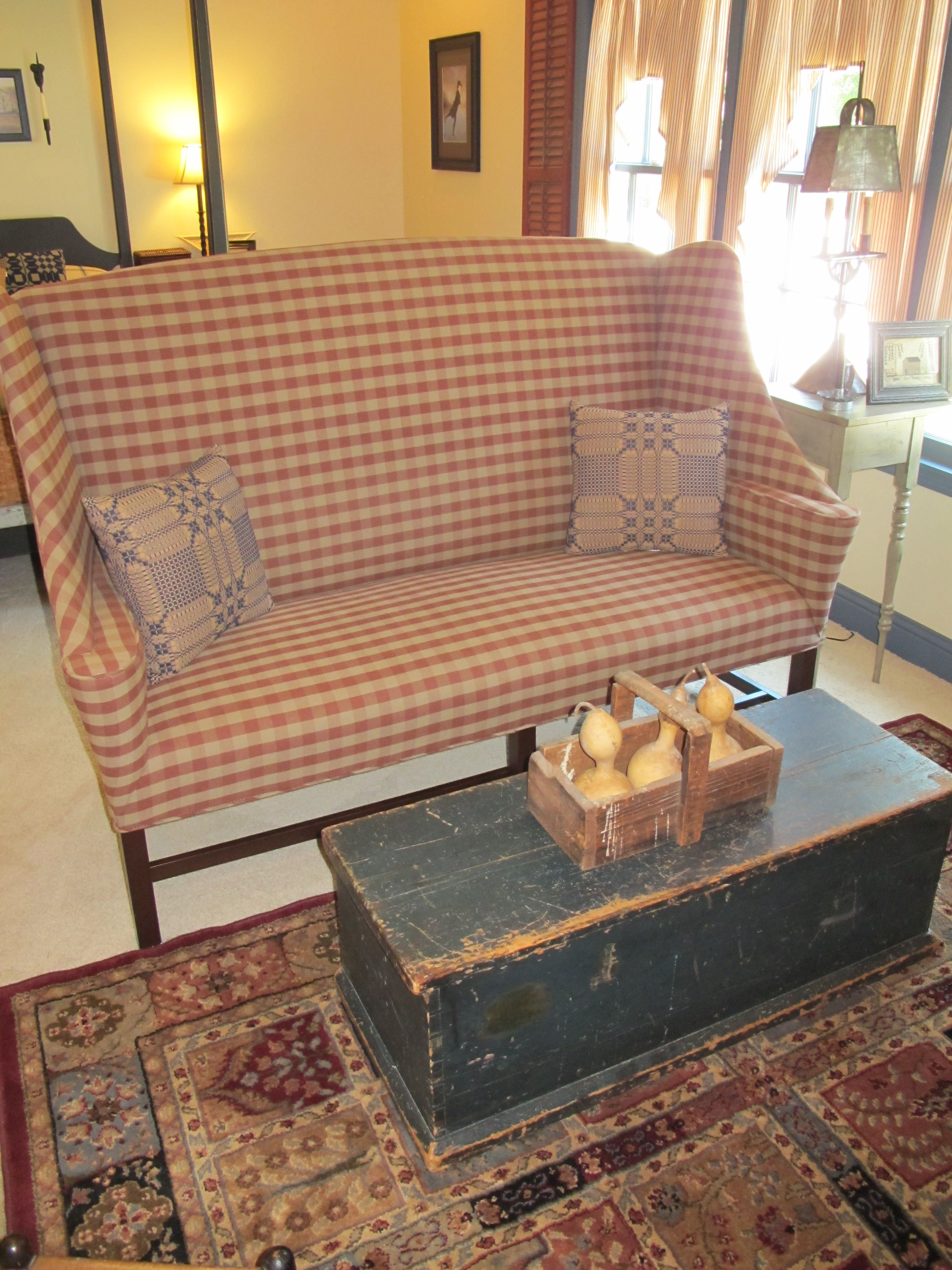 country primitive sofa tables reclining with drink holders johnston benworks settle family heirloom weavers