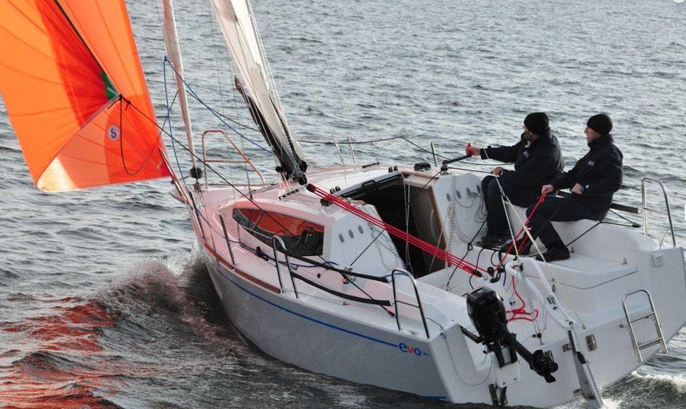 Maxus Evo 24 Evo Boat Sailing