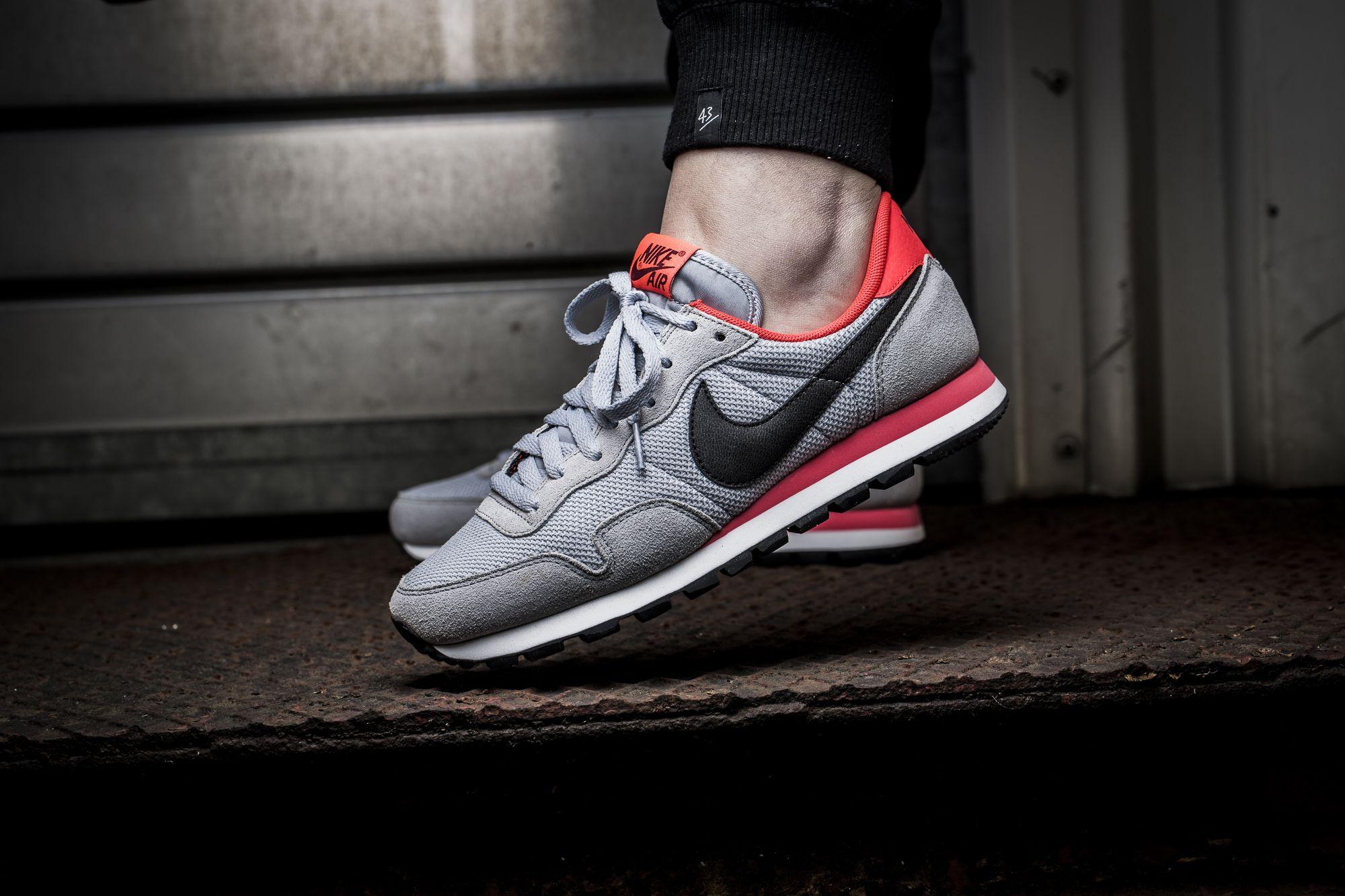 Nike WMNS Air Pegasus '83 (rot) 43einhalb Sneaker Store