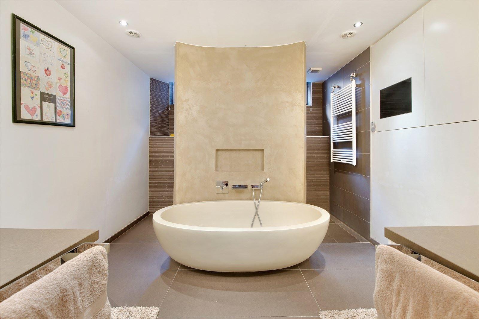 luxe badkamer vrijstaand bad | Badkamers / wc ! | Pinterest