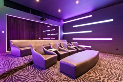 Charmant The Sleek Modern Home Theater Style Can Be A Smart Addition For Your House.  To Create A Modern Home Theater Style, Youu0027ll Typically Focus On Furniture  And ...