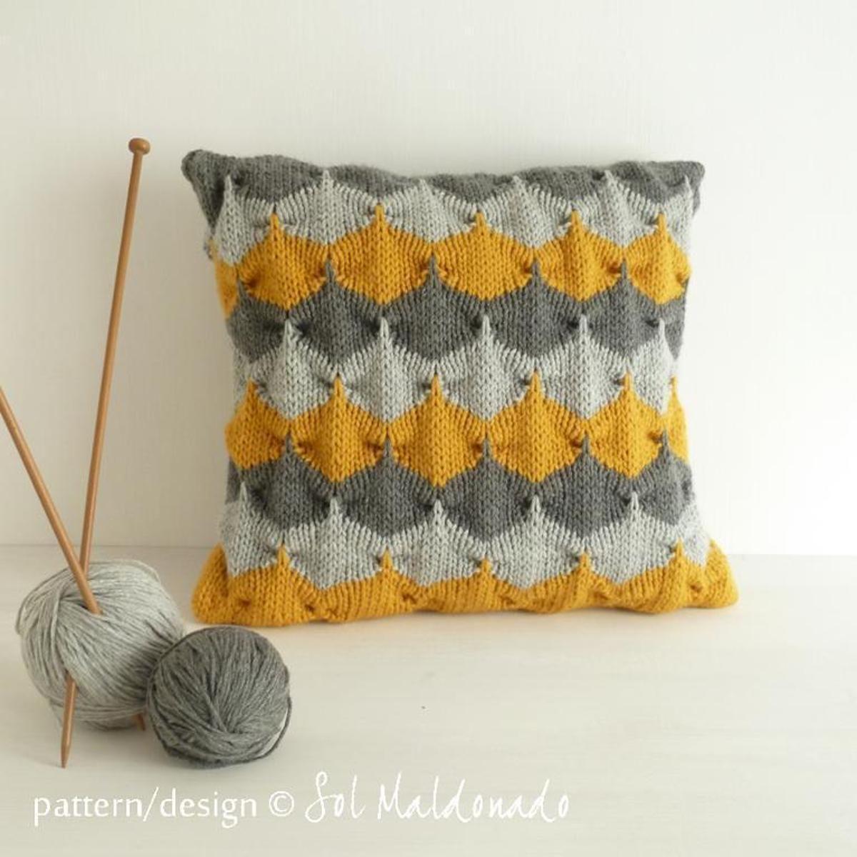 Geometric Cushion Decorative Knit Pillow