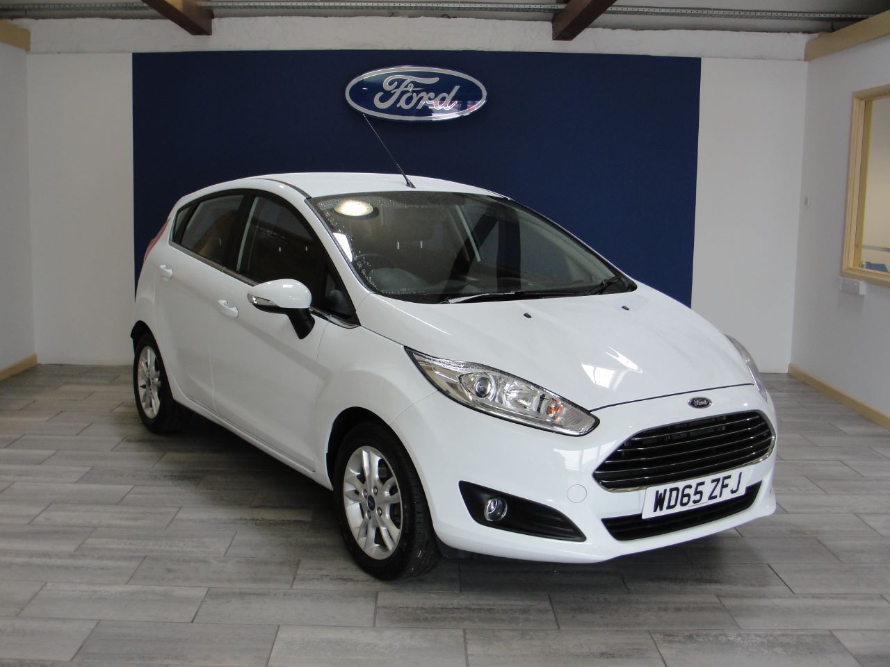 Ford Fiesta 1 0 Ecoboost Zetec 5dr Hatchback Petrol White With Images Used Ford Ford Ford Fiesta