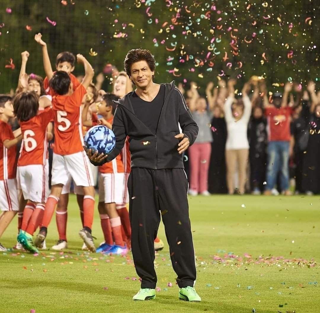 Pin on Shahrukh Khan