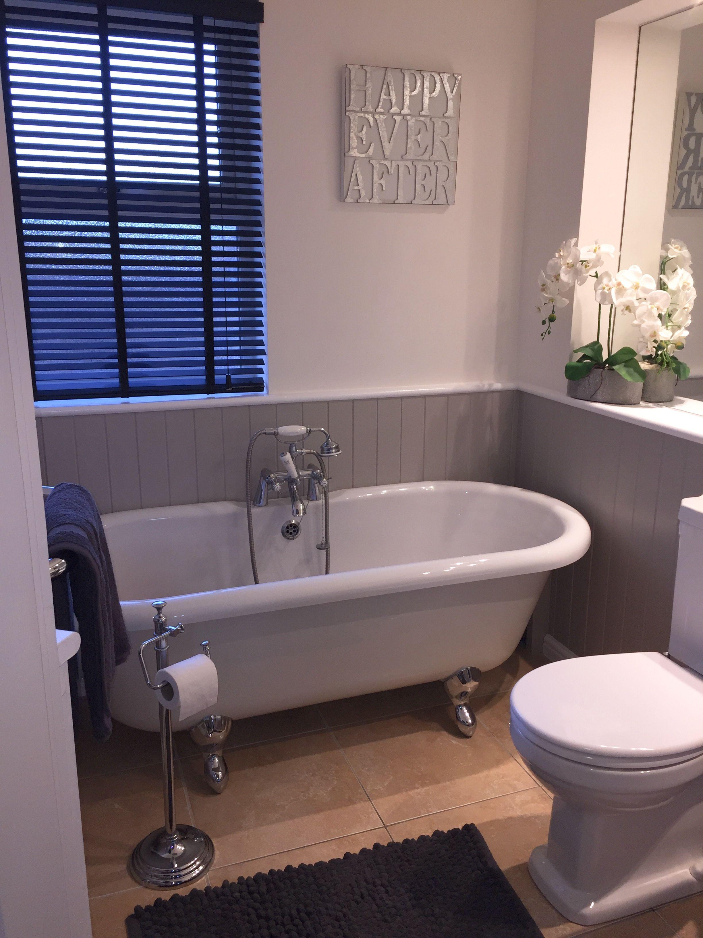 Traditional Family Bathroom Family Bathroom Wimborne White Goodhome