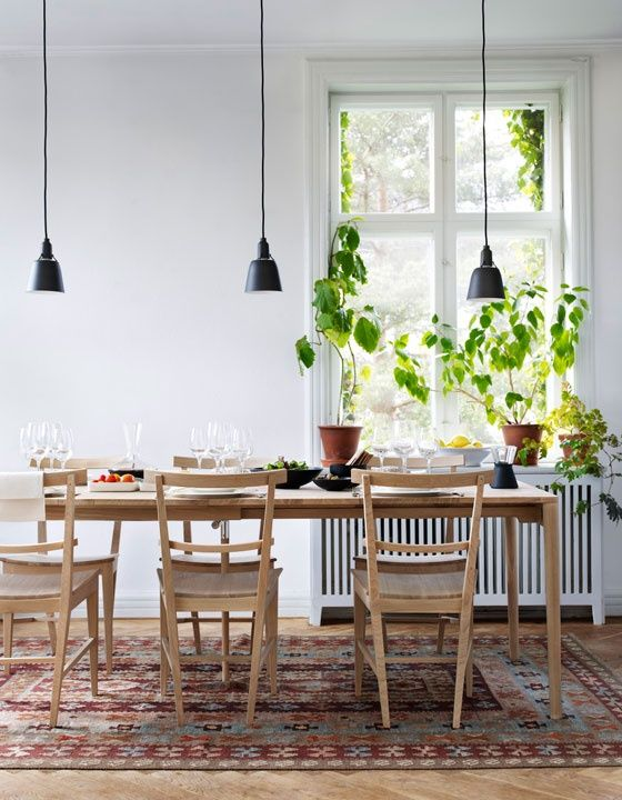 Table And Chairs From Norrgavel Veg Dye Kilim