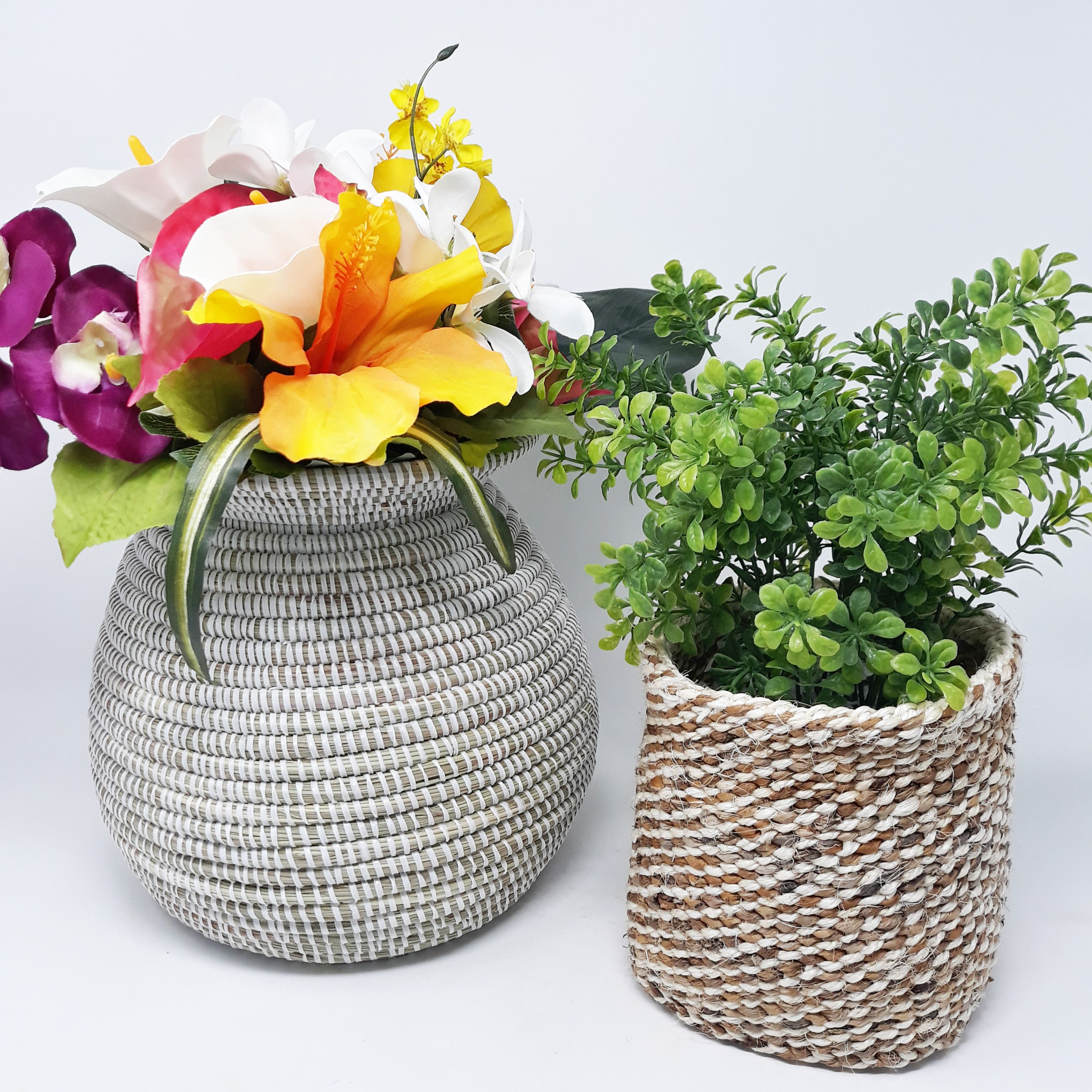 Bring a unique touch to any room with this beautiful combo