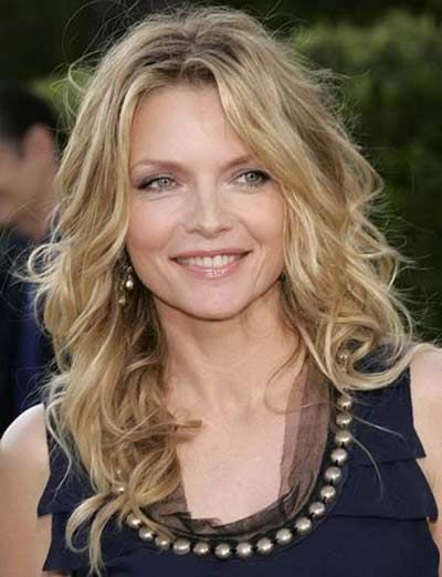 Hairstyles for mature square faces