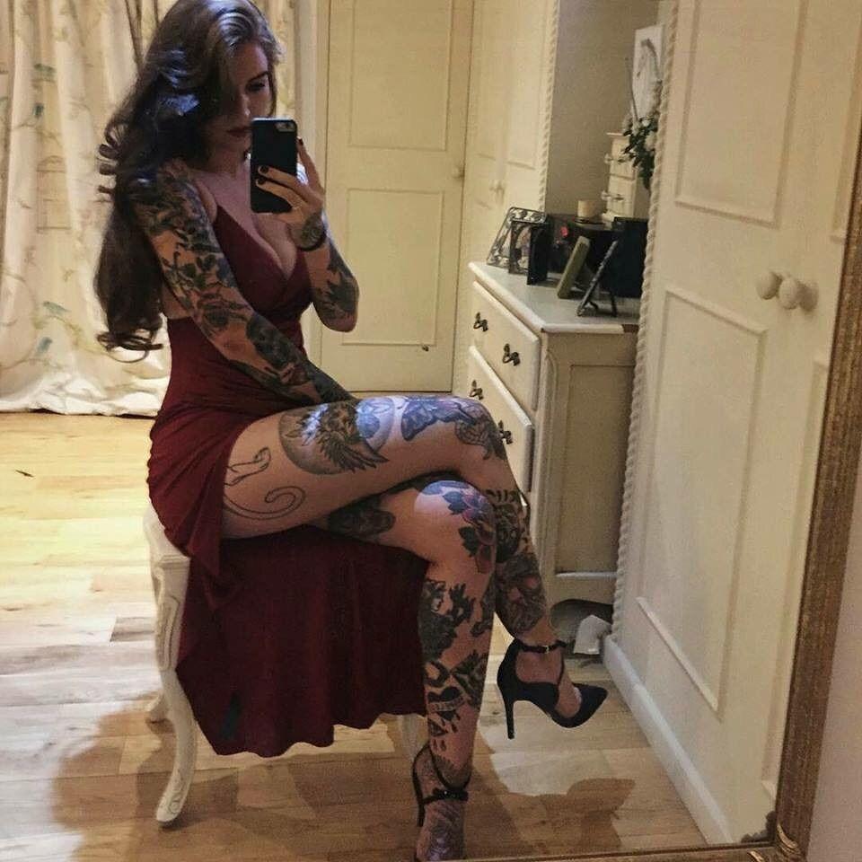 Emily wickersham nudity