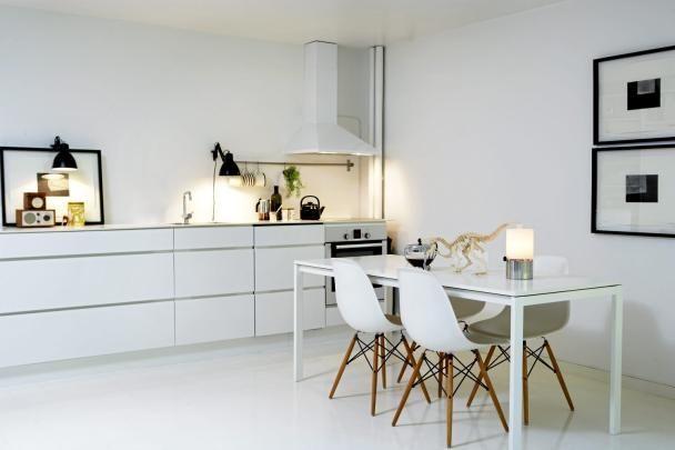 White kitchen Kitchens Pinterest New kitchen, Eames and Lamps