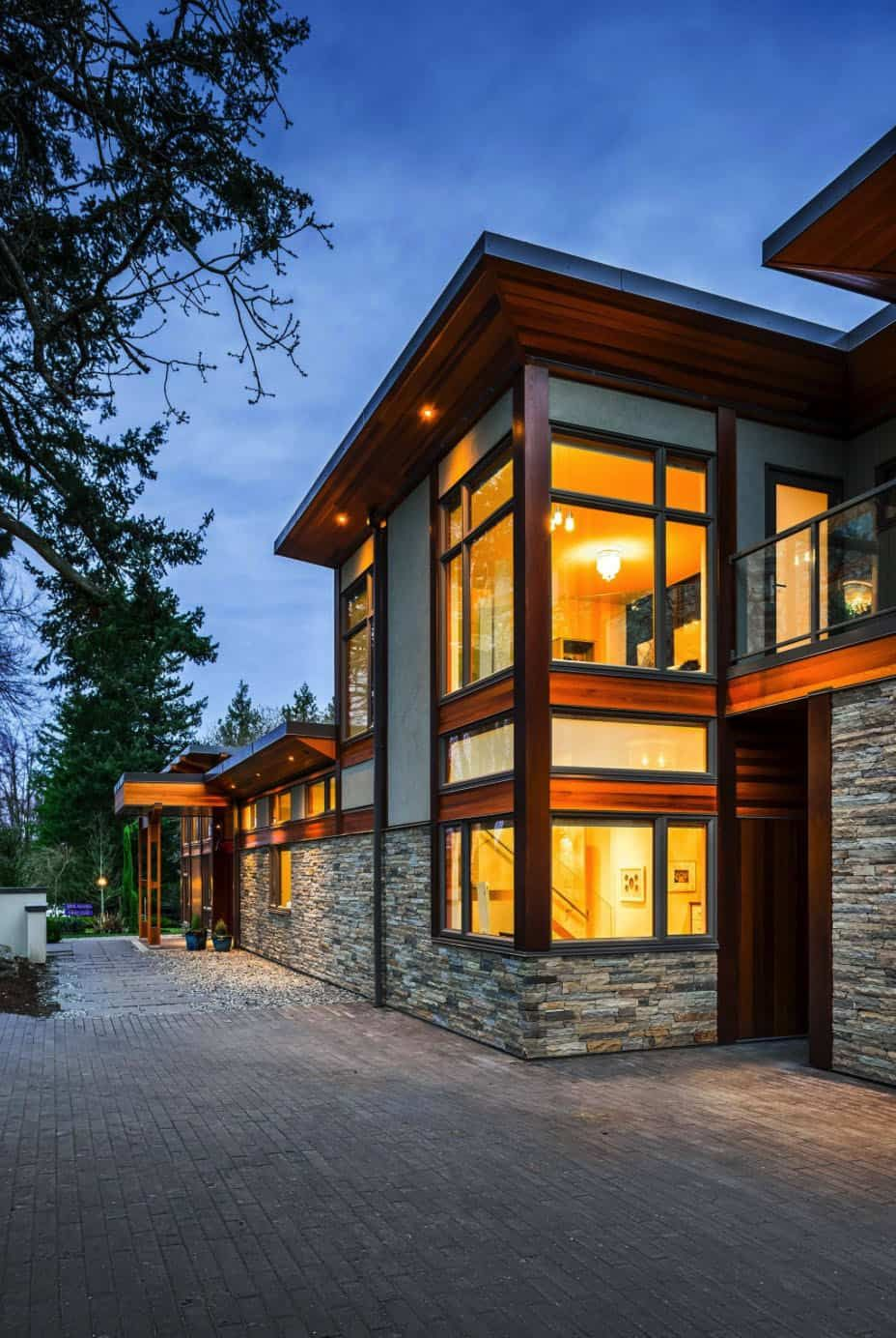 Step Into This Jaw Dropping West Coast Modern Home That S Eco Friendly In 2020 Energy Efficient House Plans Energy Efficient Homes House Design
