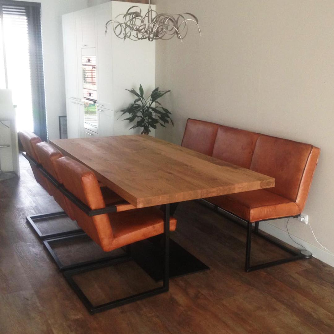 Eetkamerset met stoelen eetkamerbank en tafel Montpellier