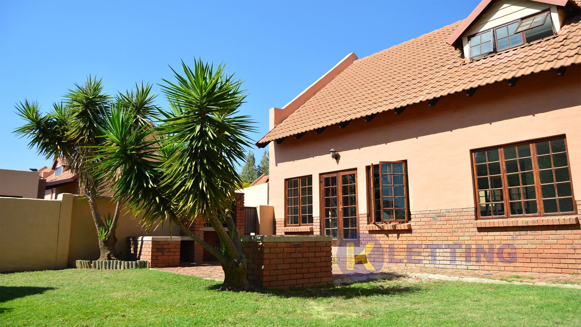 Newly Painted 3 bedroom Duplex in Equestria. R 9500 pm