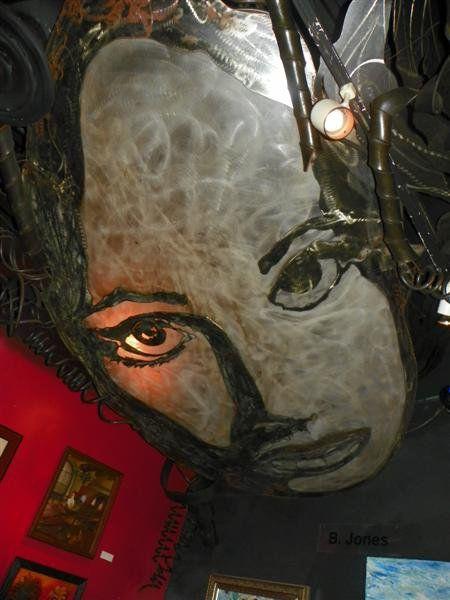 Artistic Metal Sculpture