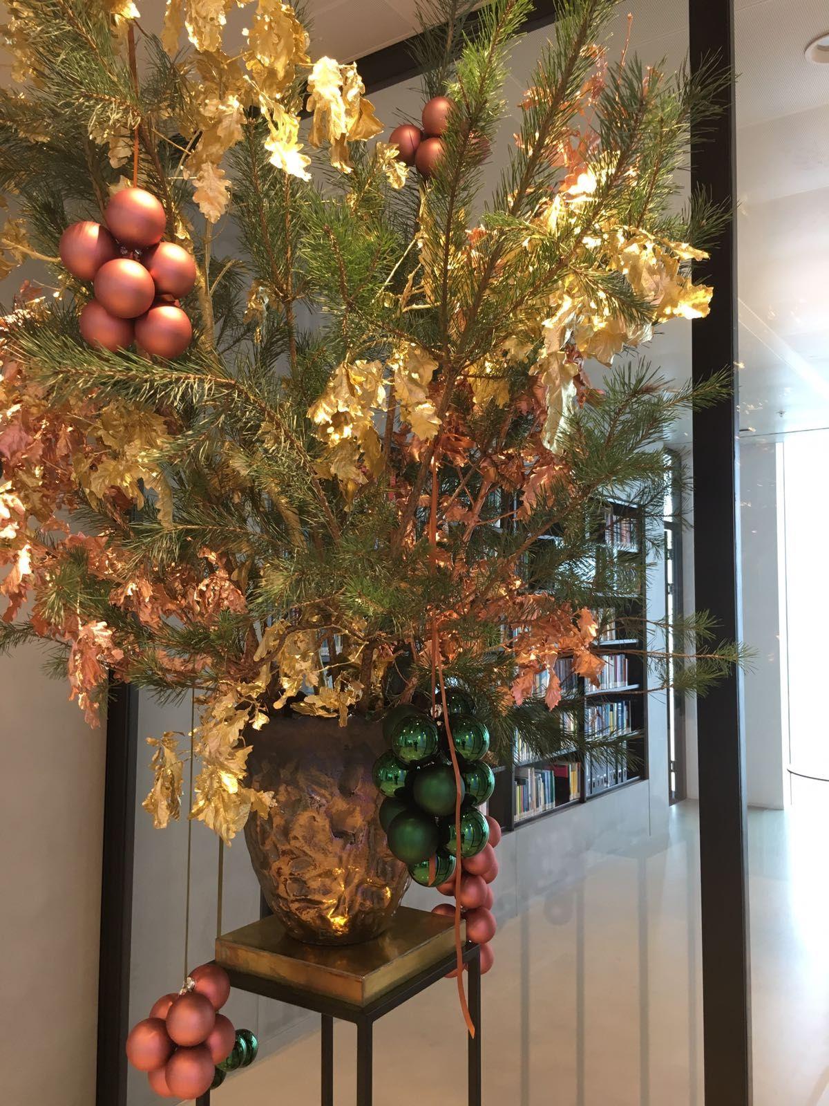 Floral Design, Diy Christmas Decorations, Christmas Decor, Design Of Flowers,