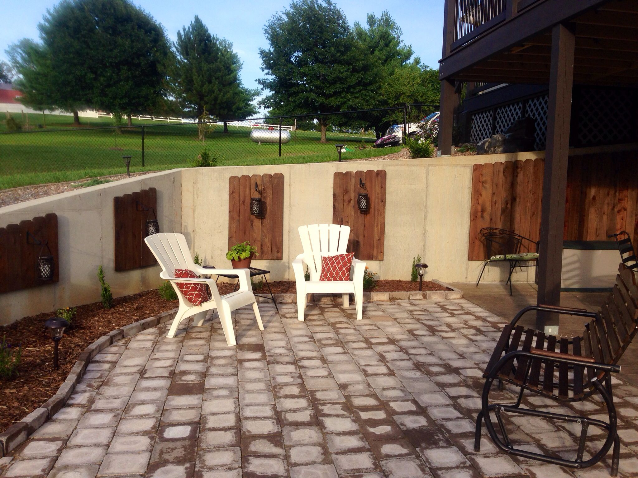 Dress Up A Concrete Retaining Wall