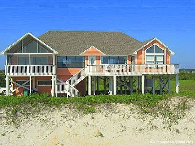 White Sand Beach House 3 Bedroom Ocean Front Sleeps 8 Wifi St Augustine Beach Houses For Rent Beach House Rental Oceanfront Vacation Rentals