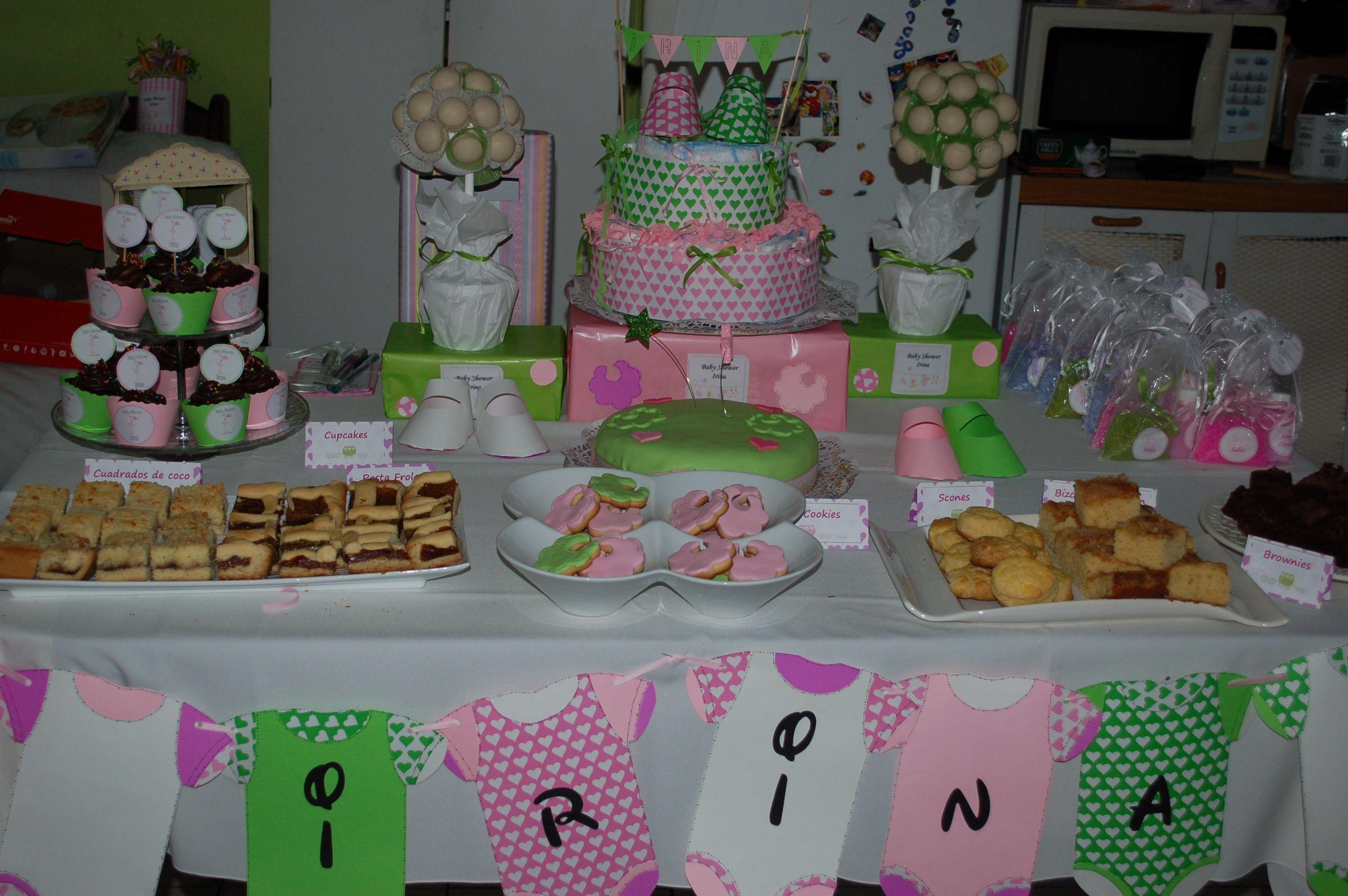 Mesa dulce para baby shower de irina nuestras fiestas for Como decorar mesa de postres para baby shower